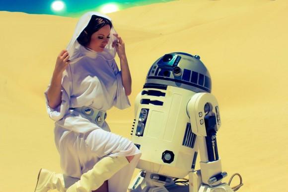 Cosplay - Princesa Leia - Lady Jaded - 04 - R2D2