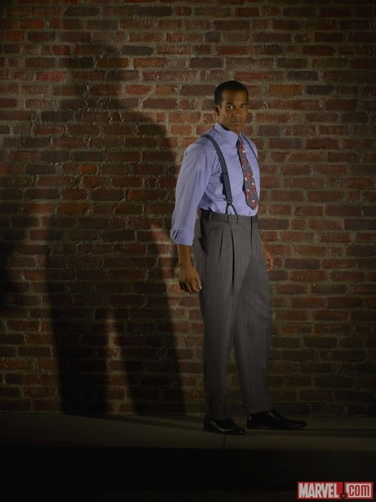 Reggie Austin no papel de Dr. Jason Wilkes na série da Agente Carter