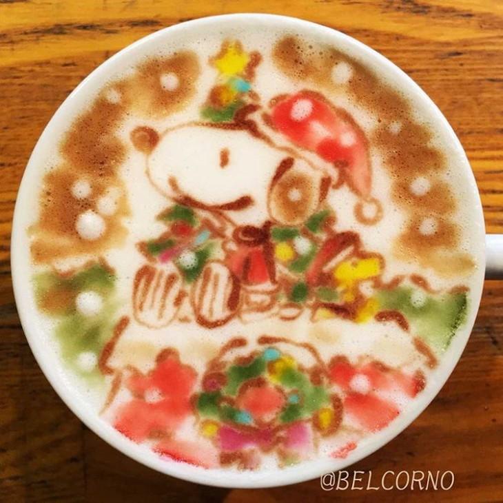 LatteArt - Arte em Cappuccino do Snoopy em versão natalina - Peanuts