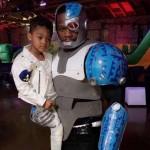 50 Cent faz cosplay de Cyborg a pedido do filho