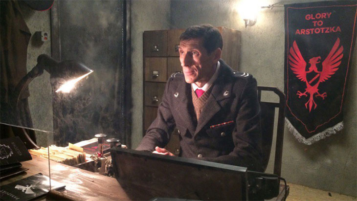 Filme de Papers, Please estreará no YouTube neste final de semana