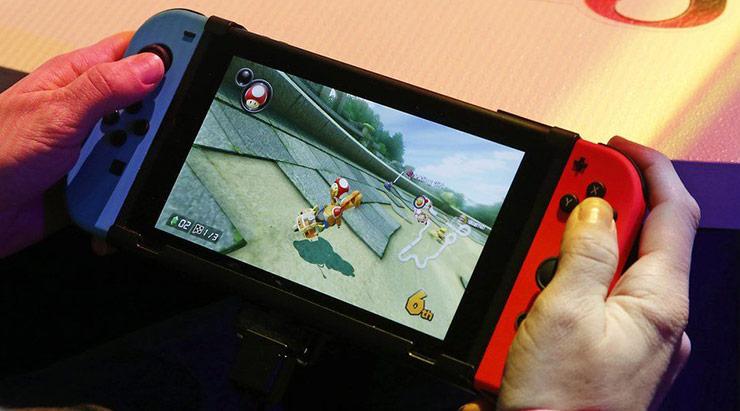 Switch ultrapassa 2 milhões vendidos nos EUA; terceiro mês seguido na liderança