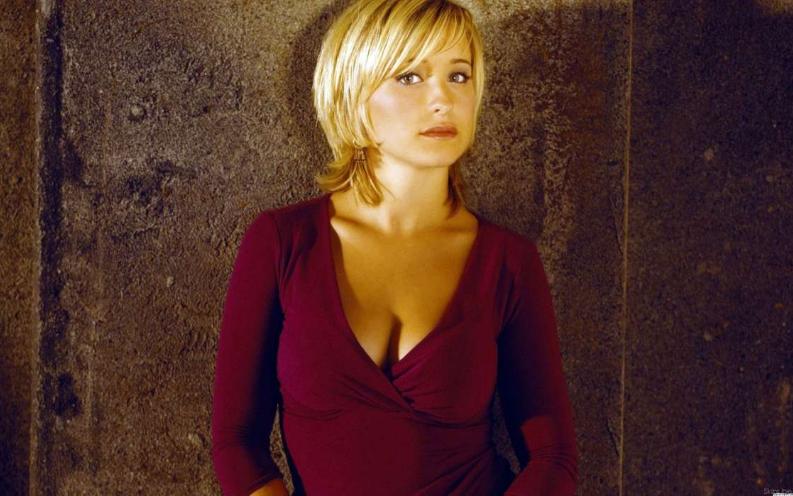 Allison Mack, de Smallville, é presa por tráfico sexual e pode pegar 15 anos de prisão
