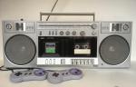 Fã transforma Rádio Boombox dos anos 80 em SNES Classic