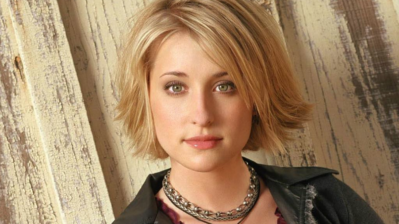 Vítima de seita sexual acusa Allison Mack, de Smallville, de planejar sequestro e estupro