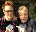 """Diretor de """"Guardiões da Galáxia"""" posta foto ao lado de Mark Hamill"""