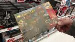 Funcionário de loja nos EUA acha caixa de Mario Kart 64 embaixo de prateleira