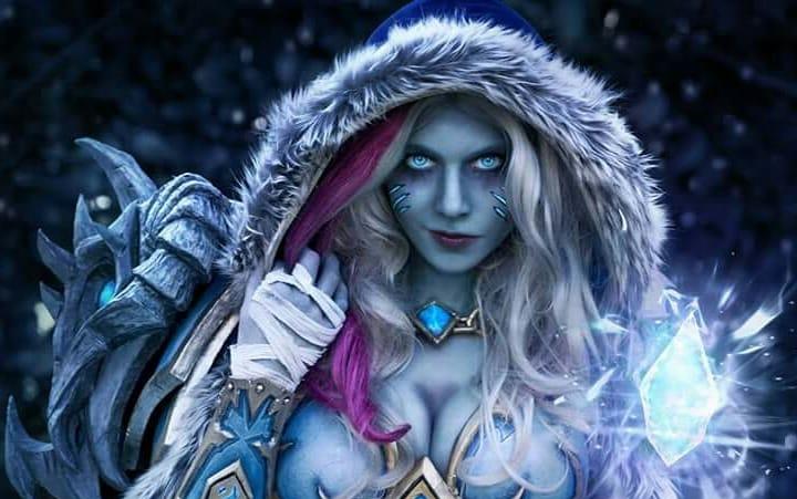 Cosplayer vence concurso oficial de cosplays de Hearthstone com a Jaina, a Rainha de Gelo