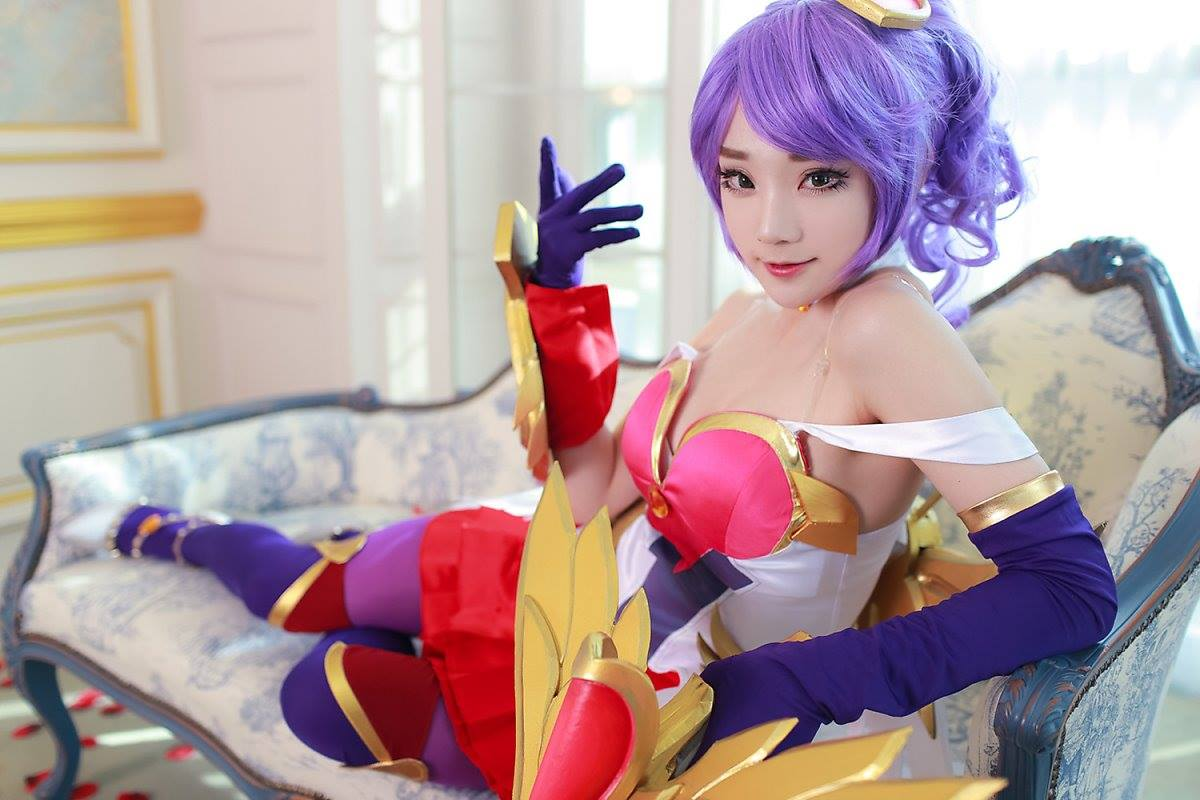 Veja um belo cosplay da Quinn Cupido Mortal, de League of Legends