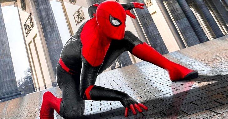 Pôster de Homem-Aranha: Longe de Casa mostra novo uniforme do herói