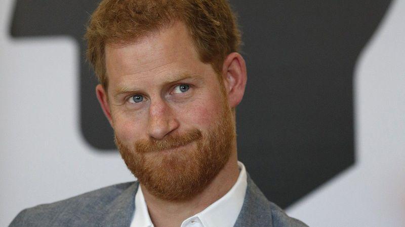 """Príncipe Harry faz duras críticas ao famoso """"Fortnite"""""""