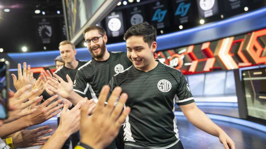 """League of Legends"": De virada, TSM vence Cloud9 e vai para as finais da LCS"