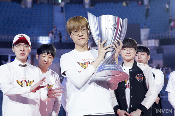 """League of Legends"": SKT derrota Griffin para conquistar sétimo título da LCK"