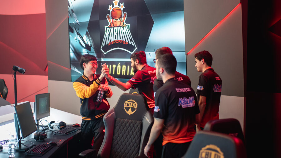 """League of Legends"": Confira o que rolou neste domingo de CBLoL"