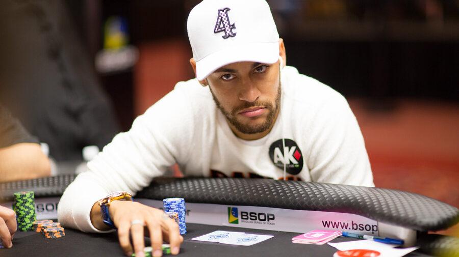 8 famosos que amam jogar pôquer