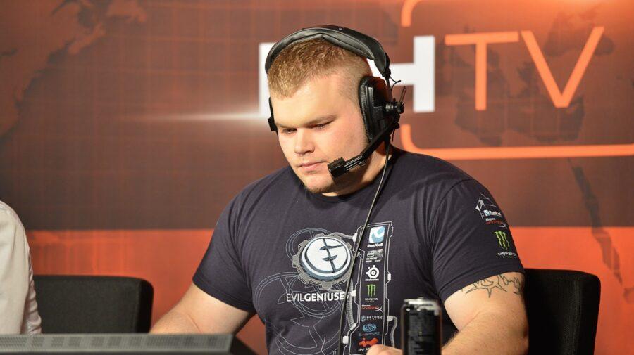 """Geoff """"iNcontroL"""", ex-pro player e comentarista de StarCraft 2, morre aos 33 anos"""