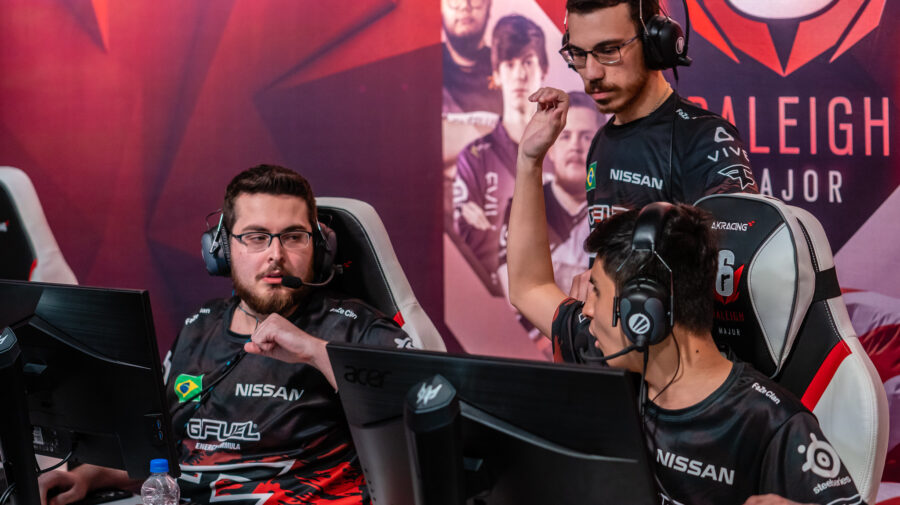 Six Major Raleigh: FaZe vence DarkZero e garante classificação para as quartas de final