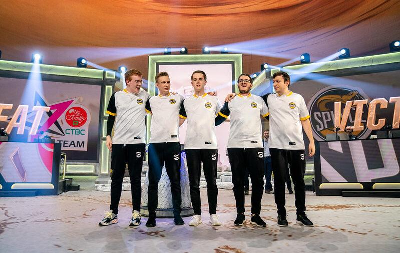 Mundial 2019: FPX e Splyce garantem vaga nas quartas de final em Madrid