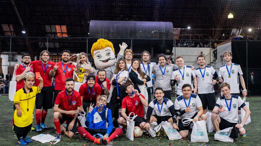 Futebol dos Streamers teve vitória do Time brTT e arrecadou cerca de R$20 mil para projeto social