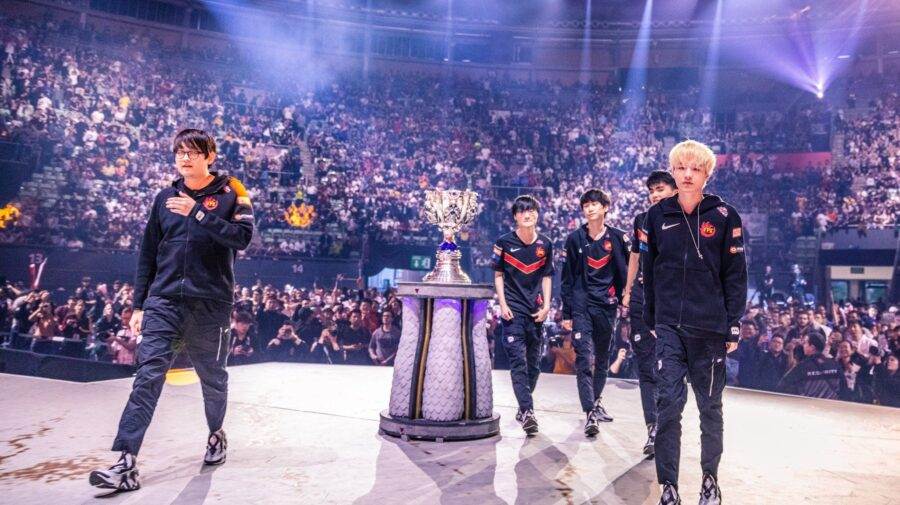 League of Legends: FPX domina G2 e conquista o Mundial 2019