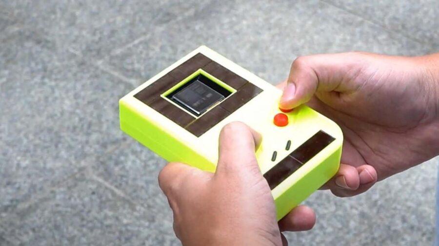 Engenheiros criam Game Boy que funciona sem bateria