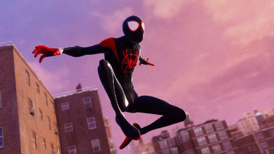 Traje de Homem-Aranha no Aranhaverso está em novo Spider-Man e deixa animação igual ao filme